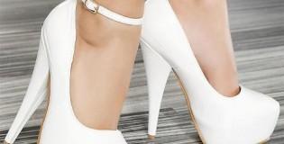 Как да носите бели обувки
