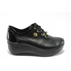 Дамски обувки на платформа естествена кожа МИ 304 черни