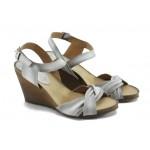 Дамски анатомични сандали на платформа ИО 1357 опушено бяло