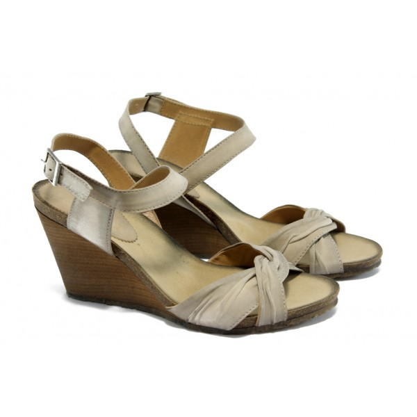 Дамски анатомични сандали на платформа ИО 1357 опушено бежово
