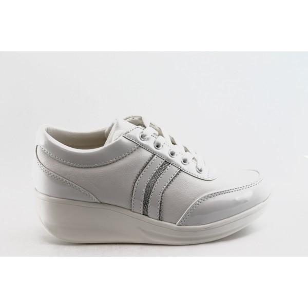 Дамски спортни обувки на платформа Jump 7802 бяло