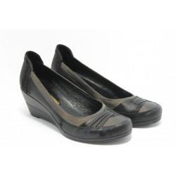 Дамски обувки на платформа МИ 301 черни
