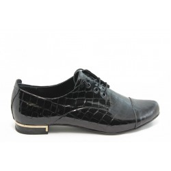 Дамски спортно - елегантни обувки МИ 102 черно