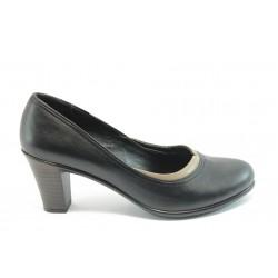 Дамски обувки на среден ток МИ 400 черно