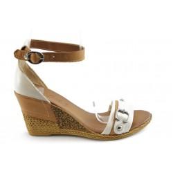 Дамски сандали на платформа МИ 503 бежови
