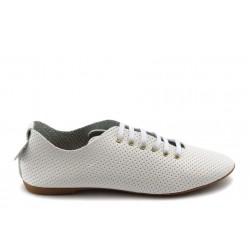 Дамски спортни обувки с перфорация МИ 697 бели