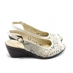 Дамски сандали на платформа от естествена кожа МИ 116-08-73 бежова