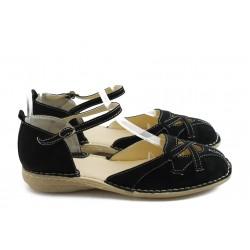 Дамски равни обувки от естествен велур ГО 3207 черни