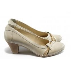 Дамски обувки на среден ток ГО 0331-12723 бежови