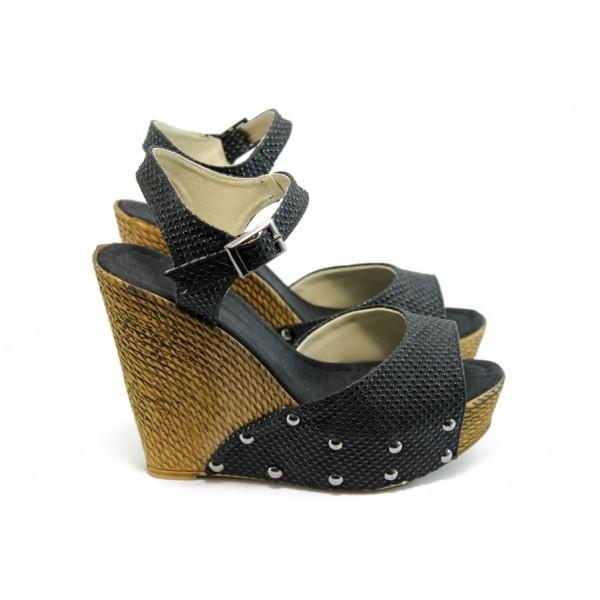 Дамски сандали на висока платформа МИ 150-1949 черни