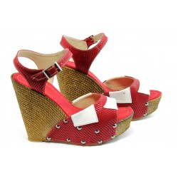 Дамски сандали на висока платформа МИ 50-1949 бордо