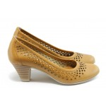 Дамски обувки на среден ток с перфорация ГО 0322-12723 карамел