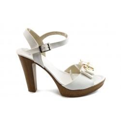 Дамски сандали на висок ток МИ 40-161 бели