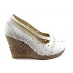 Дамски анатомични обувки с перфорация НЛ 140-14287 бели