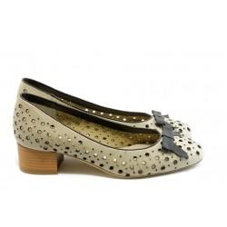 Дамски обувки на среден ток ГО 0412-7137 бежово