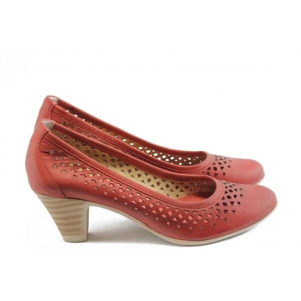 Дамски обувки на среден ток с перфорация ГО 0322-12723 червени