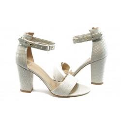 Дамски сандали на висок ток МИ 143 бели