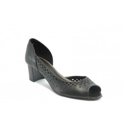 Дамски обувки с перфорация ГО 0408-2925 черни