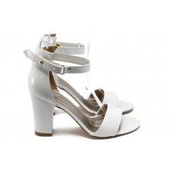 Дамски сандали на висок ток МИ 143 бели лак