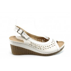 Дамски анатомични сандали на платформа Jump 5250 бели