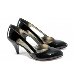 Дамски елегантни обувки на среден ток ЕО 16050 черен лак