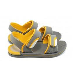 Детски сандали с лепенки Rider 81235 сиви 31/38