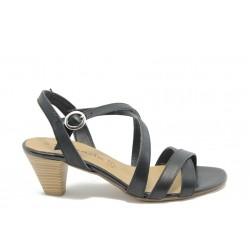 Дамски сандали на нисък ток Tamaris 28361 черно