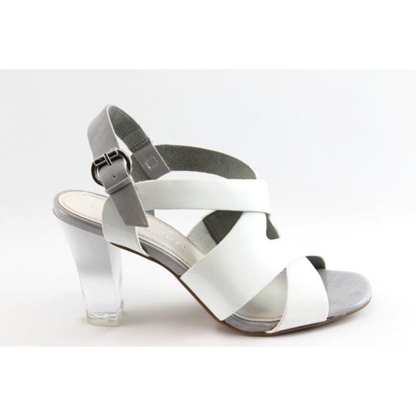 Дамски лачени сандали Marco Tozzi 28305 бяла