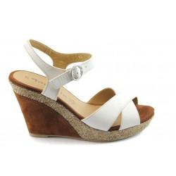 Дамски сандали на платформа Tamaris 28357 бяла