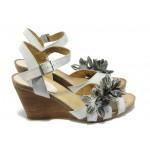 Дамски сандали от естествена кожа на платформа ИО 1364 опушен бял