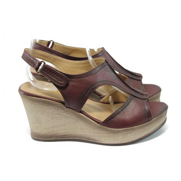 "Дамски сандали на платформа с ""опушен"" ефект МИ 15151 бордо"