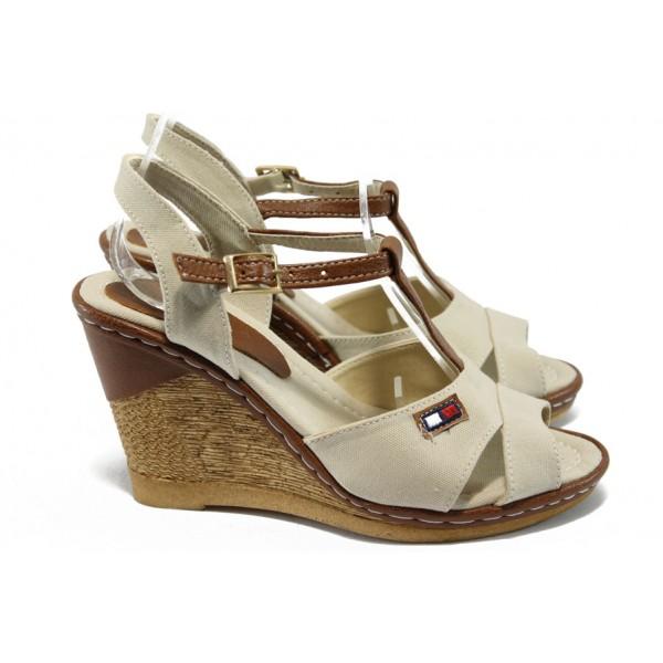 Дамски сандали на платформа МИ 25 бежов