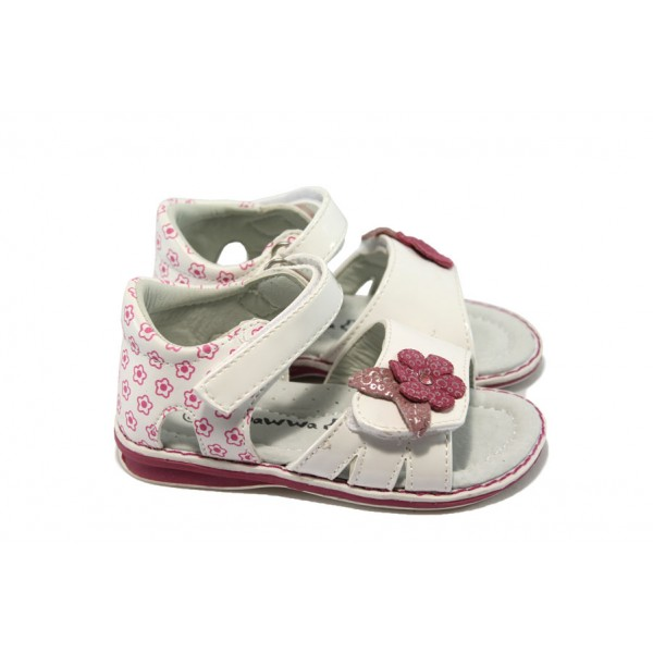 Анатомични бебешки сандали с лепенка КА 746 бели
