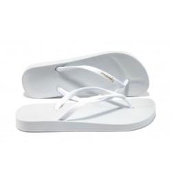 Юношески анатомични чехли Ipanema 81030 бял