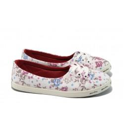 Дамски спортни обувки МИ 7209 бели цветя
