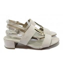 Дамски сандали на среден ток Marco Tozzi 2-28202-24 бежов