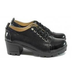 Дамски обувки на среден ток МИ 860 черен