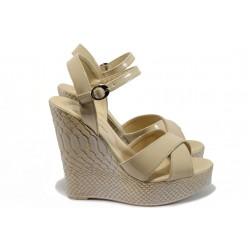 Дамски сандали на платформа МИ 1017 бежов