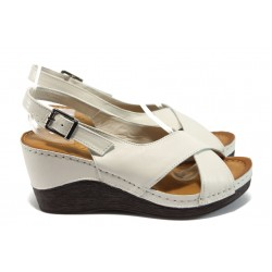 Анатомични дамски сандали на платформа МИ 04 бежов
