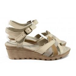 Анатомични сандали на платформа НЛ 202-15431 бежов-кафяв