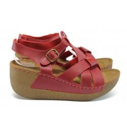 Анатомични дамски сандали на платформа Jump 13401 червен