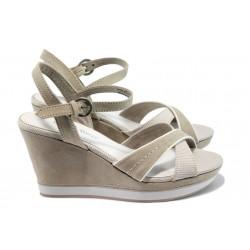 Дамски сандали на платформа Marco Tozzi 2-28352-26 бежов