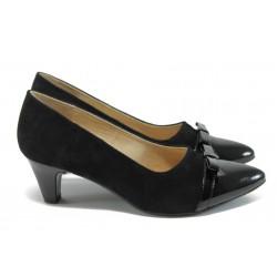 Стилни дамски обувки на ток от естествен велур Caprice 9-22402-26 черен