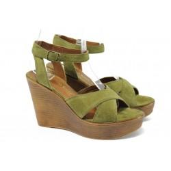Дамски сандали на платформа от естествен велур Marco Tozzi 2-28372-36 зелен