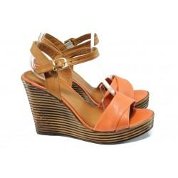 Анатомични дамски сандали от естествена кожа МИ 2812 корал | Дамски сандали на платформа | MES.BG