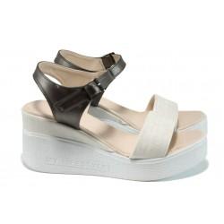 Дамски сандали на платформа МИ 100-753 бежов | Дамски сандали на ток | MES.BG