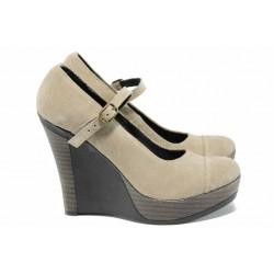 Анатомични български обувки от естествена кожа НЛ 200-8208 бежов велур | Дамски обувки на платформа | MES.BG