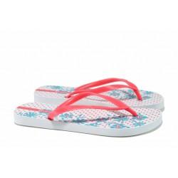 Дамски гумени чехли и сандали