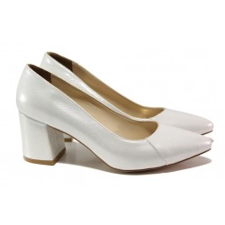 Елегантни дамски обувки ФА 400 сребро | Дамски обувки на среден ток | MES.BG