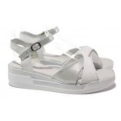 Анатомични български сандали от естествена кожа НЛ 240-8218 бял сатен | Равни дамски сандали | MES.BG